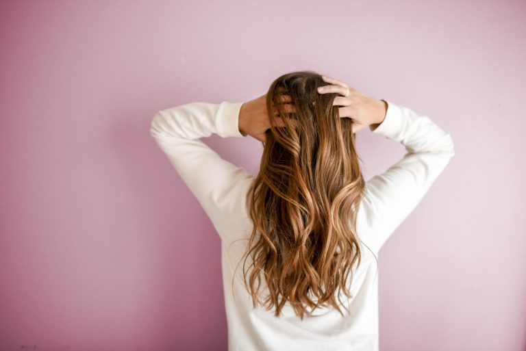 5 Easy and Natural Remedies to Control Hair Fall Safely